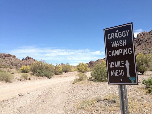 Craggy Wash sign